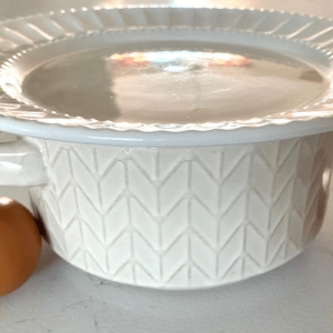 microwavable bowl with plate